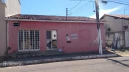 VENDE-SE ESTE TERRENO COM EXCLUSIVIDADE, PROXIMO A PRAÇA DO CENTENÁRIO