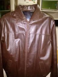 Vendo uma jaqueta de couro de búfalo seminova