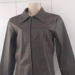 Jaqueta semi nova tamanho grande.
