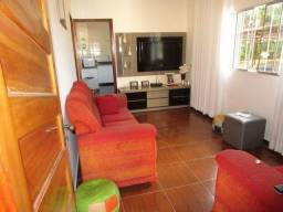 Aceita imóvel, 2 casas, 1 alugada bairro Céu Azul
