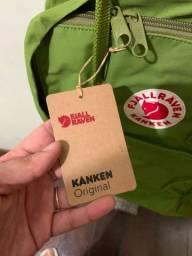 Título do anúncio: Mochila Fjallraven Kanken - NOVA