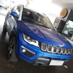 Raridade: Jeep Compass Longitude (2017) 4x4 Diesel na cor Azul Pacífico