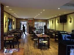 Lote de móveis e decoração para salão de restaurante