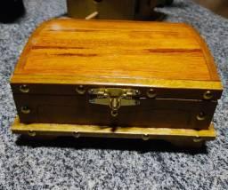 Mini baú em madeira