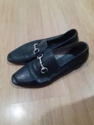 Sapato de couro número 38