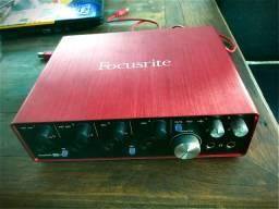 Interface de áudio Focusrite scarlett 18i8