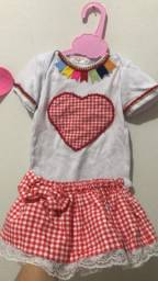 Vendo roupa junina bebê e 2 blusas p adulto