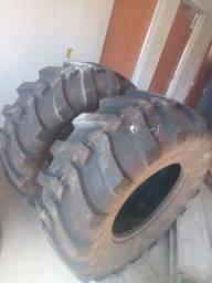 Vendo 2 pneu da retro escavadeira
