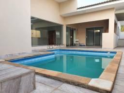 Belíssima residência com 03 suítes, sendo 01 com closet à venda no Residencial Villaggio I