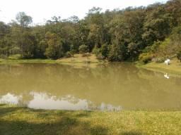 Sítio em Tapiraí SP com grande lago
