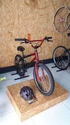 Bicicleta aro 20 modelo BMX