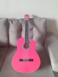 Violão cor de rosa
