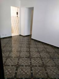 Apartamento três quartos - Rua Pirajibe - Inhauma R$650,00