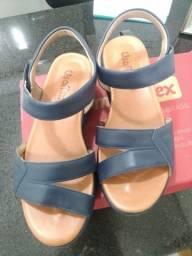 Título do anúncio: Linda sandália N° 35 Usaflex cor Marinho