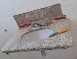Título do anúncio: Vendo conjunto: cuba com granito e vaso sanitário. Usados e em bom estado. Franca/SP