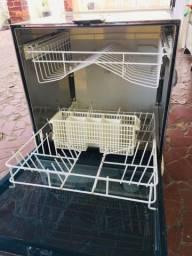 Título do anúncio: Máquina de lavar louças - toda revisada!