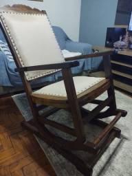 Título do anúncio: Cadeira de balanço antiga restaurada