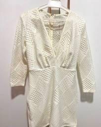 Título do anúncio: Vestido Branco , Lança Perfume .