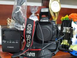 Canon EOS 80D (somente o corpo)
