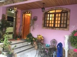Vila Valqueire, casa com 3 quartos, suíte, 4 banheiros local nobre colado a praça saiqui