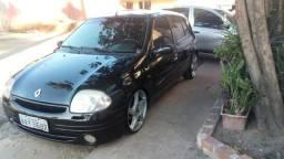 Clio - 2001