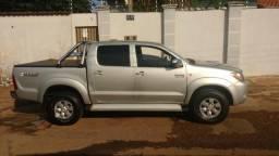 Vende-se Toyota Hilux 3.0 CD 4x4, automática SRV, ano 2006 - 2005
