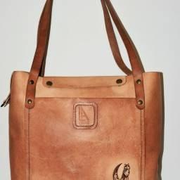 Bolsas de couro feito a mão  .. artigos de griffe