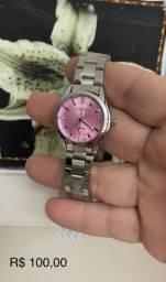 Lindo relógio feminino .