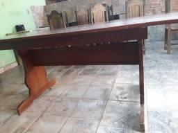 Vendo essa mesa de angelin só uma tábua só mede 2.20 de comprimento por 85 de largura