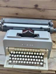 Maquina de escrever olivete