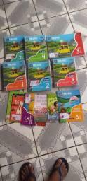 Vende-se este quites de livros trilhas do terceiro ano