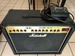 Amplificador valvulado Marshall JCM2000 Dsl401