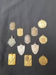 Título do anúncio: Coleção de medalhas esportivas muito antigas