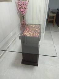 Mesa de tampo de vidro para 6 pessoas