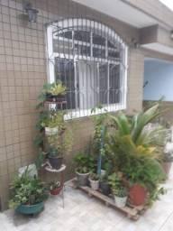 Casa isolada 3 dormitórios  com edícula vila nova Cubatão