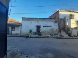 VENDO CASA NO VICENTE PINZON, PRECISANDO DE REFORMAS