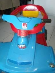 Quadriciclo Superquad Brinquedo e Pedal Azul
