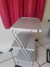 Mesa auxiliar em z metálica 3 prateleiras