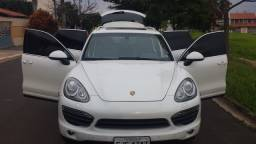 Porsche Cayenne S v8 2012 Aceita troca