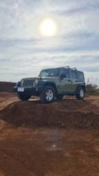 Jeep Wrangler Unlimited Sport 3.6 V6 *Ano 2013* *Câmbio Automático*