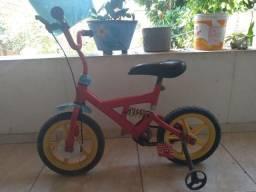 Bicleta infantil Semi nova