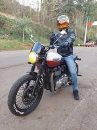 Título do anúncio: Triumph bonevillee T100 13 mil km
