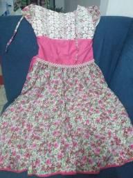 Vendo vestidos infantis