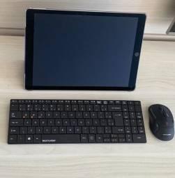 iPad Pro 12.9 - 256 GB - Pega Chip Celular - Com teclado e mouse sem fio