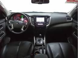 (M.R)Mitsubishi L200 2.4 Triton Sport Hpe S Cab. Dupla 4x4 Aut. 4p<br><br>