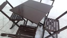 Mesa com 4cadeiras