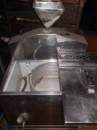 Cx térmica toda inox para sucos em geral . Água de Coco já vem com á tela de proteção