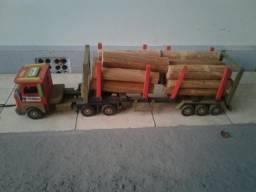 Brinquedo carrinho / carreta torra de madeira