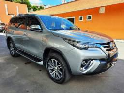 Toyota Hilux SW4 - 2019 - 7 Lugares