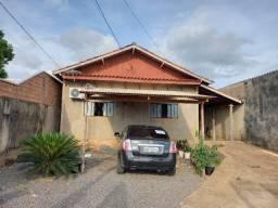 Vende-se Esta Casa - Ótima Localização em Jaru
